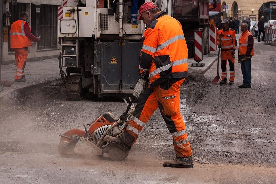ВПензе продолжают ямочный ремонт дорог